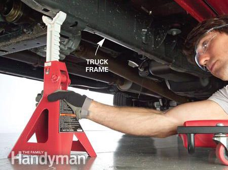 How to Jack and Support a Truck: Step 3