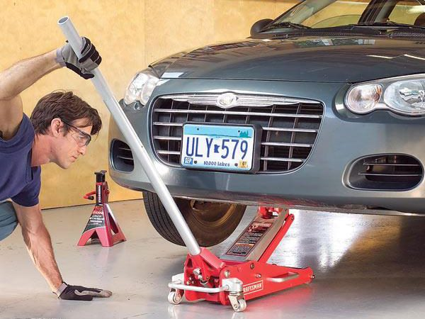 Tips on How to Safely Use a Car Jack