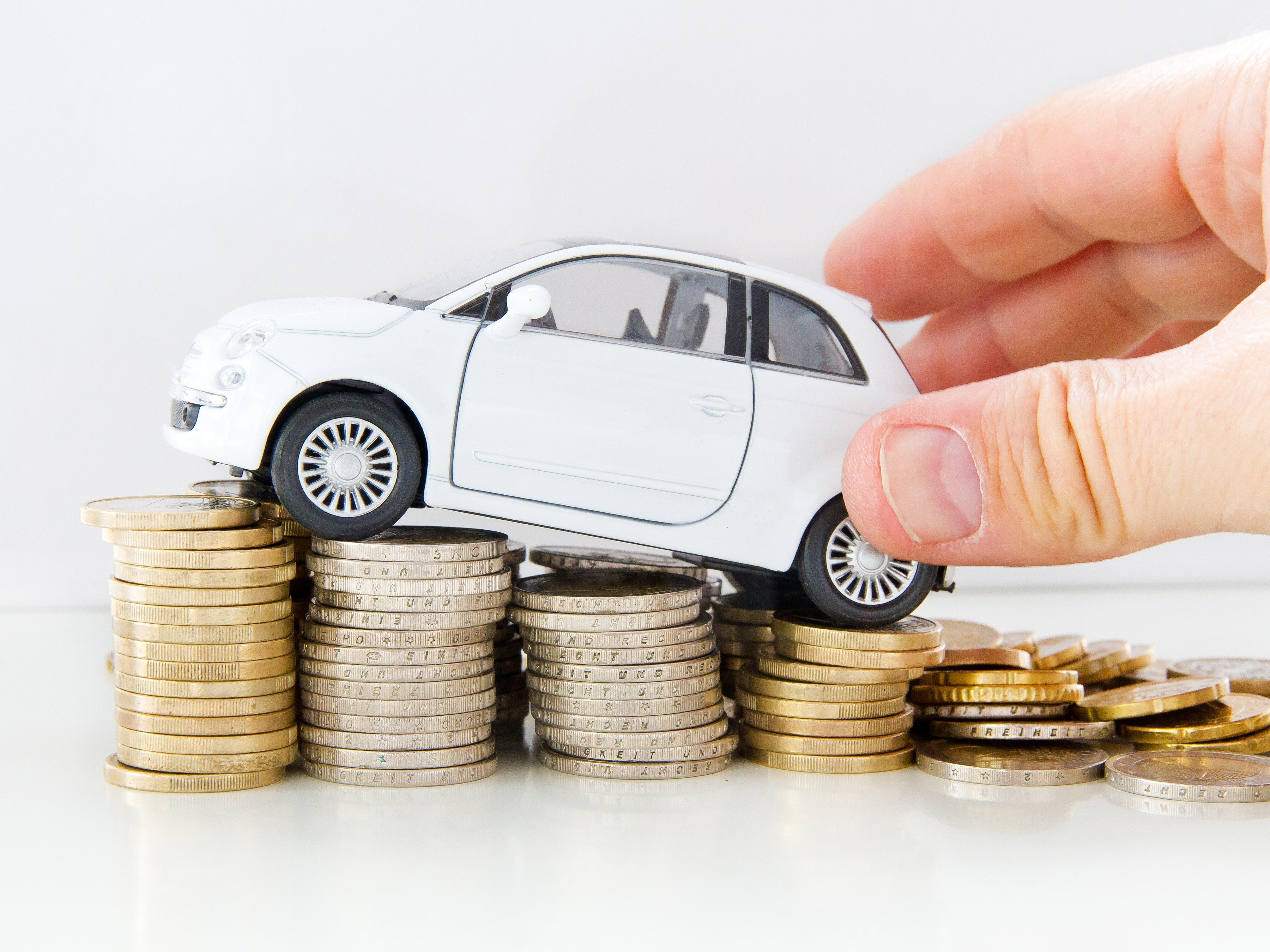 2. The up-front cost of a lease is often lower than if you were buying.