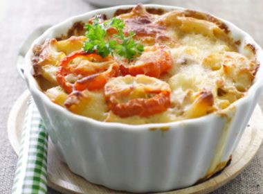 Creamy Mac and Cheese With Tomatoes