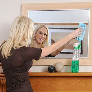 DIY Mirror Cleaning is Easier than You Think!