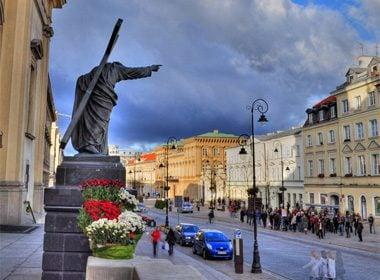 Moderately Dishonest City: Warsaw, Poland