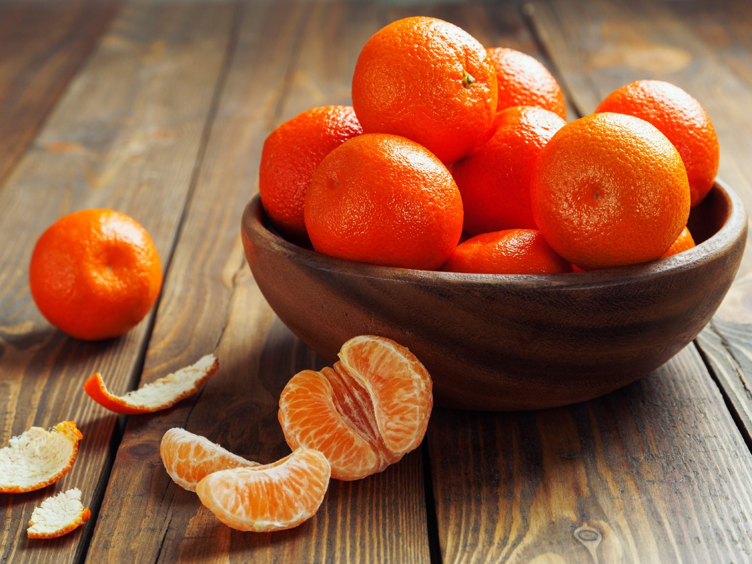 Kitchen Smell Like Last Night's Dinner? Simmer Orange Peels