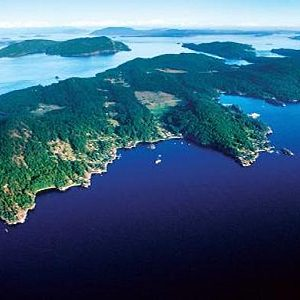 8 Most Liveable Canadian Islands