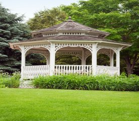 Adding an Arbour or Pergola to Your Garden