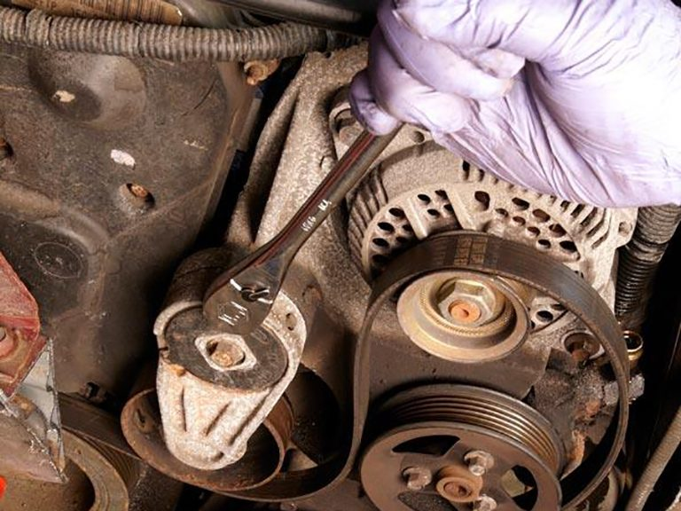 Service manual how to change a fan belt on a 1999 acura for Mercedes benz serpentine belt replacement cost