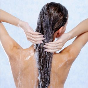 Healthy Skin Myth: Showers Help Dry Skin Stay Moist