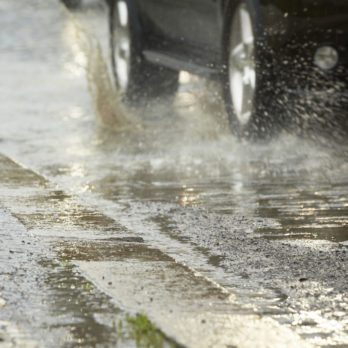 10 Tips for Safe Driving in Wet Weather