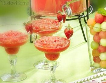 Taste of Home Canada: Frozen Hot-Pink Strawberry Daiquiris