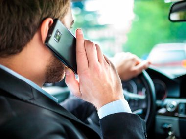 8 Ticketable Distracted Driving Offences in Alberta