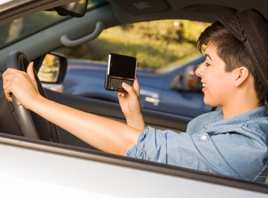 Many Teens Text and Drive