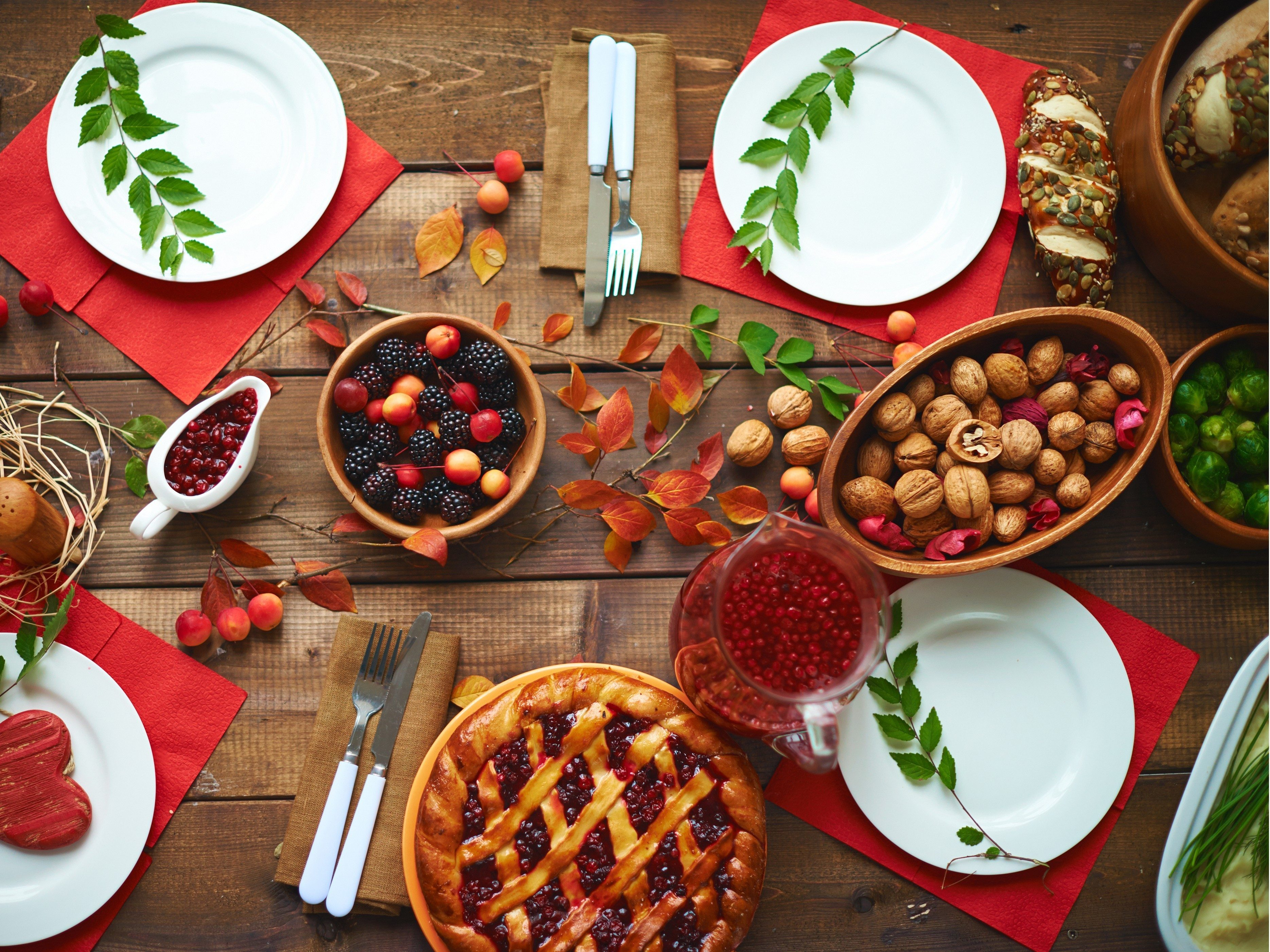 Watch 14 Healthy Holiday Eating Tips That Will Help You Avoid Those Extra Pounds video