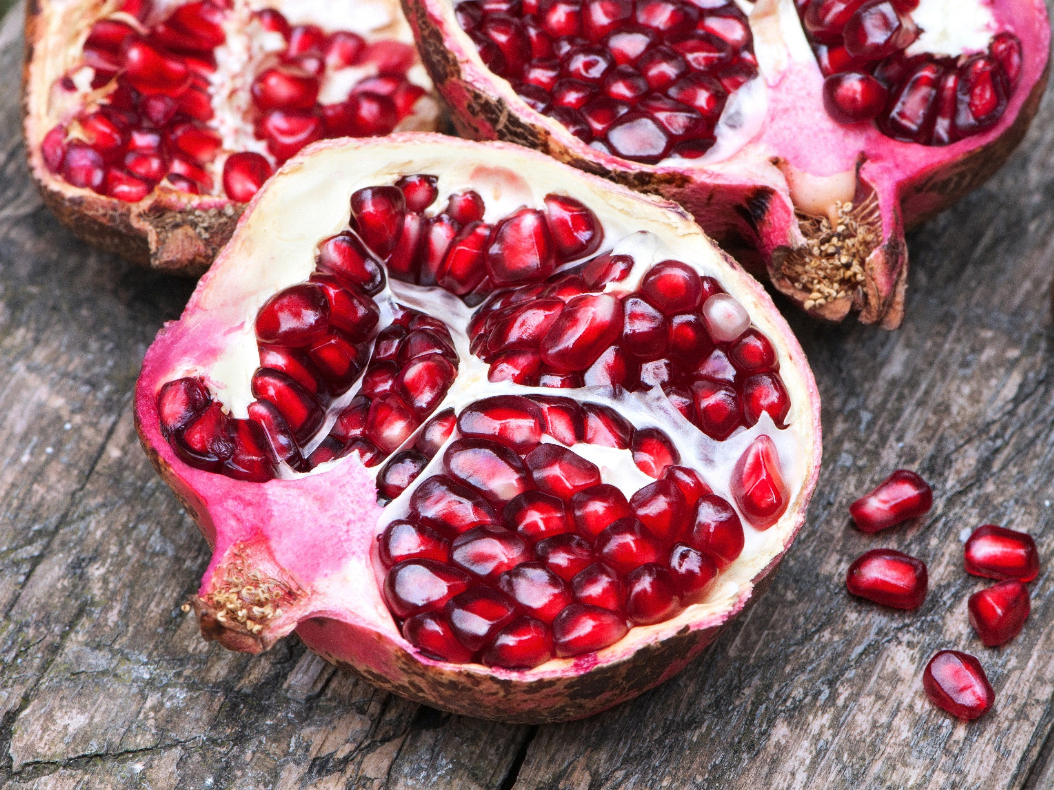 5. Drink a pomegranate blend.