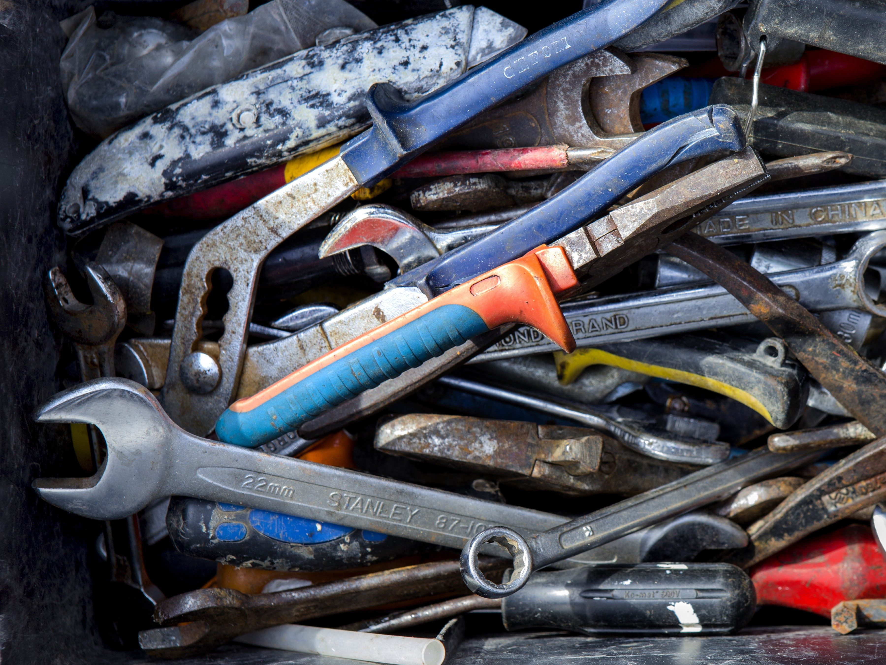 Use Chalk to Keep Tools Rust-Free