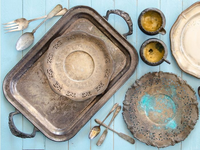 Use Potatoes to Remove Tarnish from Silverware