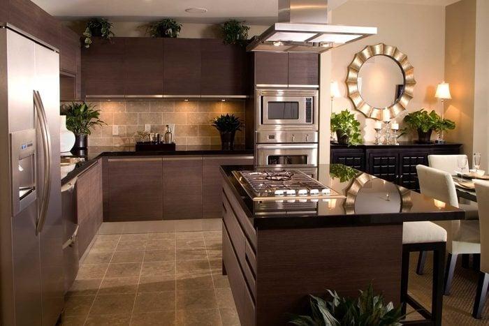 Dark-coloured kitchen