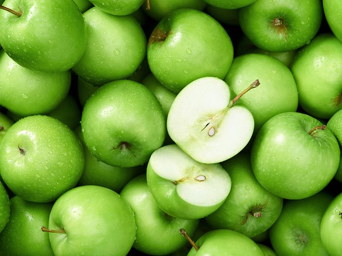Apple benefits - green granny smith apples