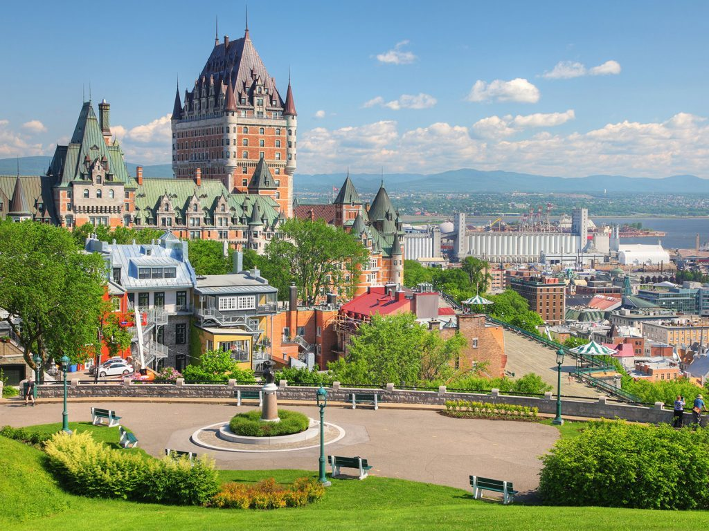 10 places every canadian needs to visit in canada for Places to travel in canada