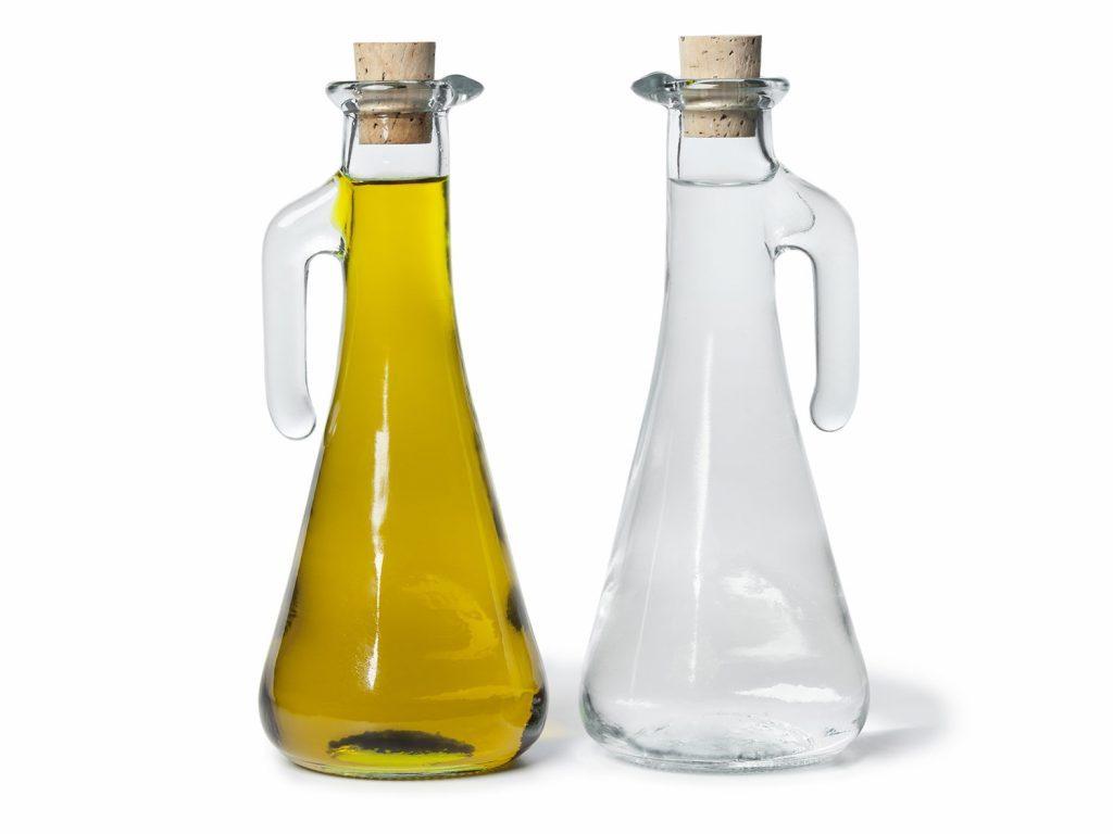 Oil and vinegar cruets