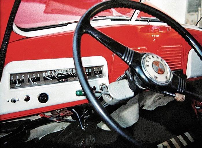 Steering wheel of 1952 Studebaker