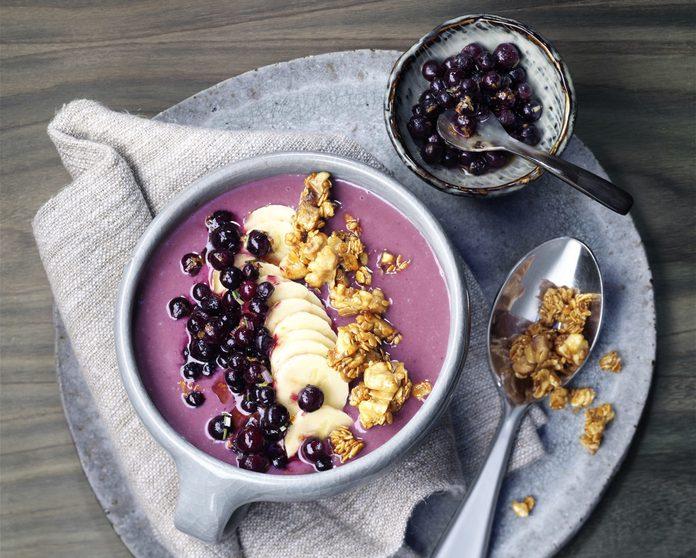 Wild blueberry smoothie bowl