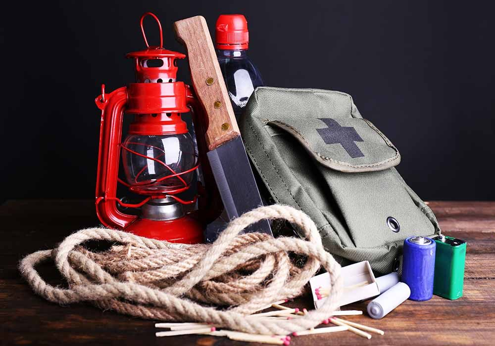 natural-disaster-survival-tips-survival-kit