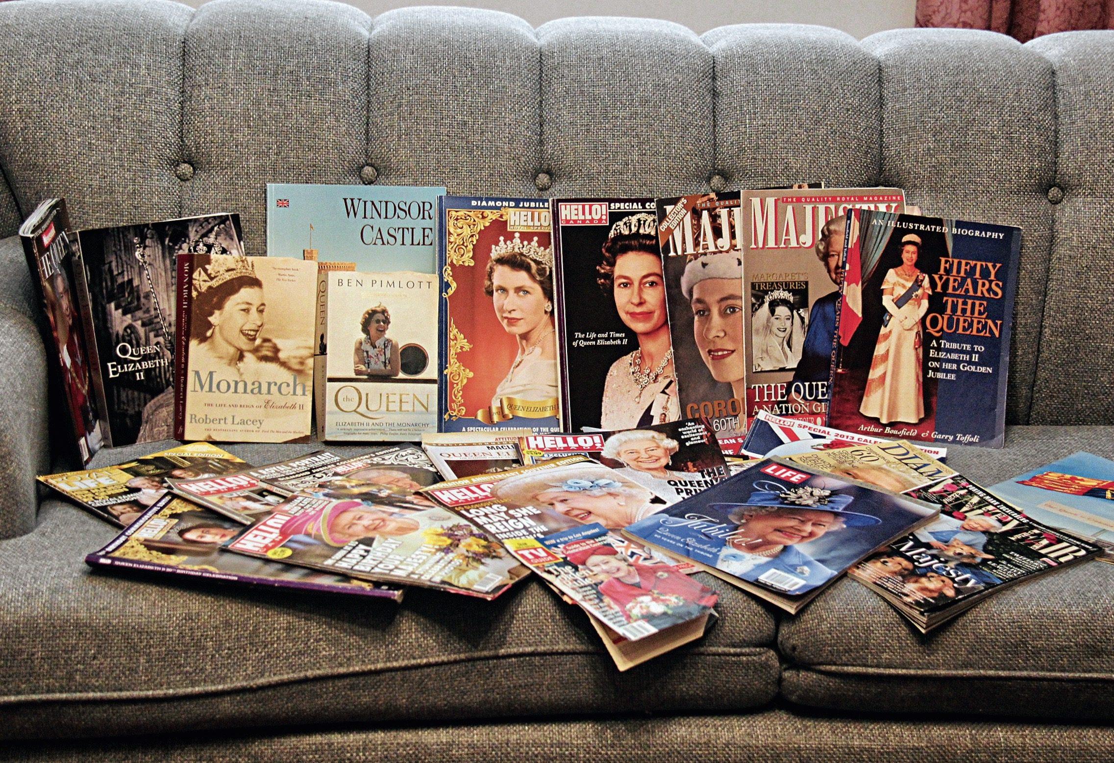 queen-elizabeth-memorabilia-magazines