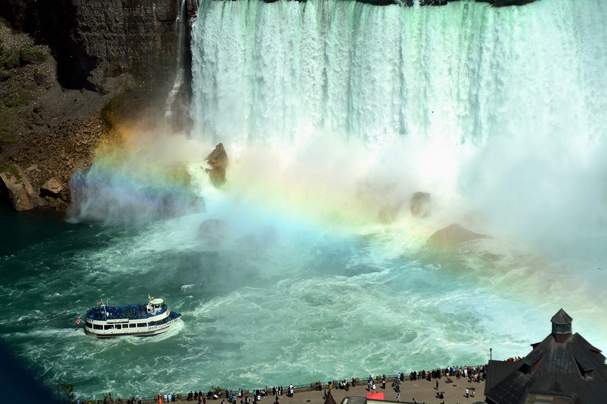 Rainbow photography - Maid of the Mist at Niagara Falls