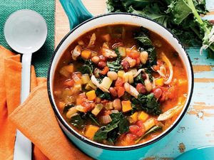Tuscan-Style Chicken, Bean and Tomato Soup