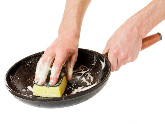 Cleaning a cast iron pan