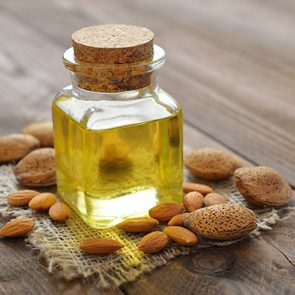 Home remedies for dry hair - Sweet almond oil