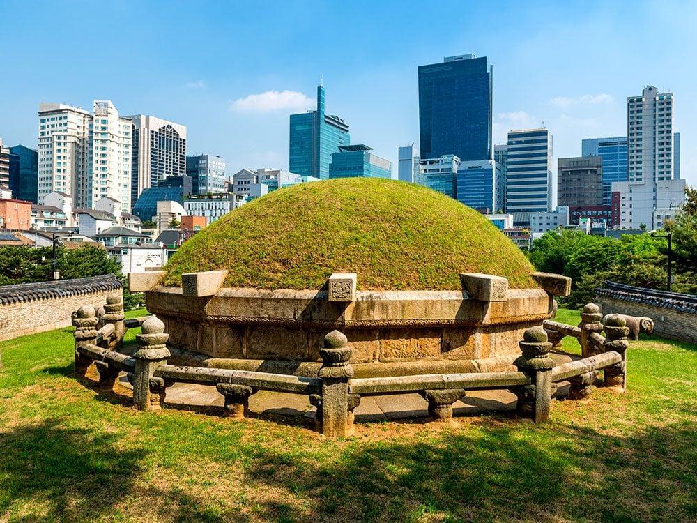 Royal tombs, Seoul