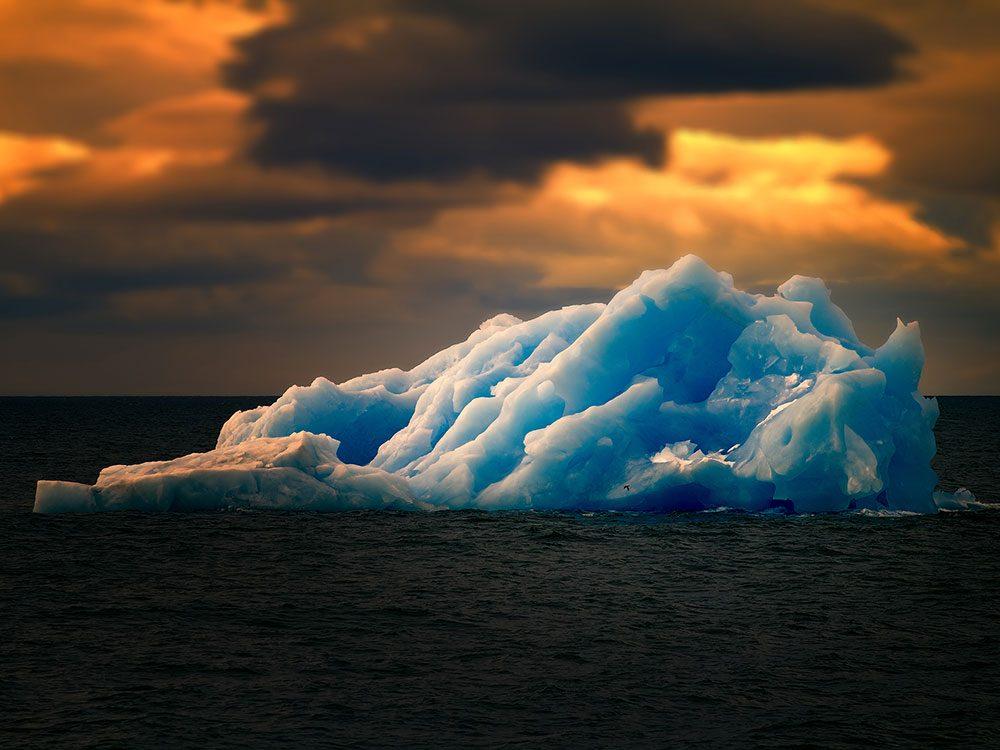 Titanic's crew failed to spot the iceberg