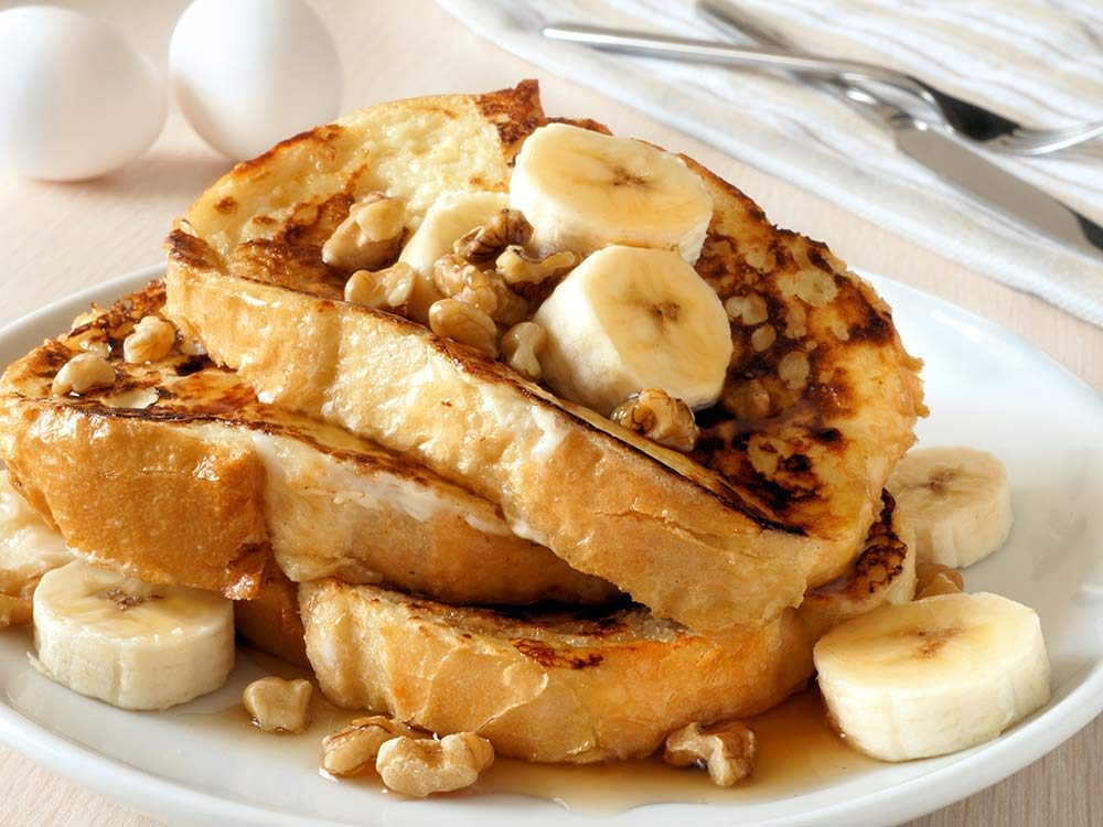 French toast with banana and walnut topping