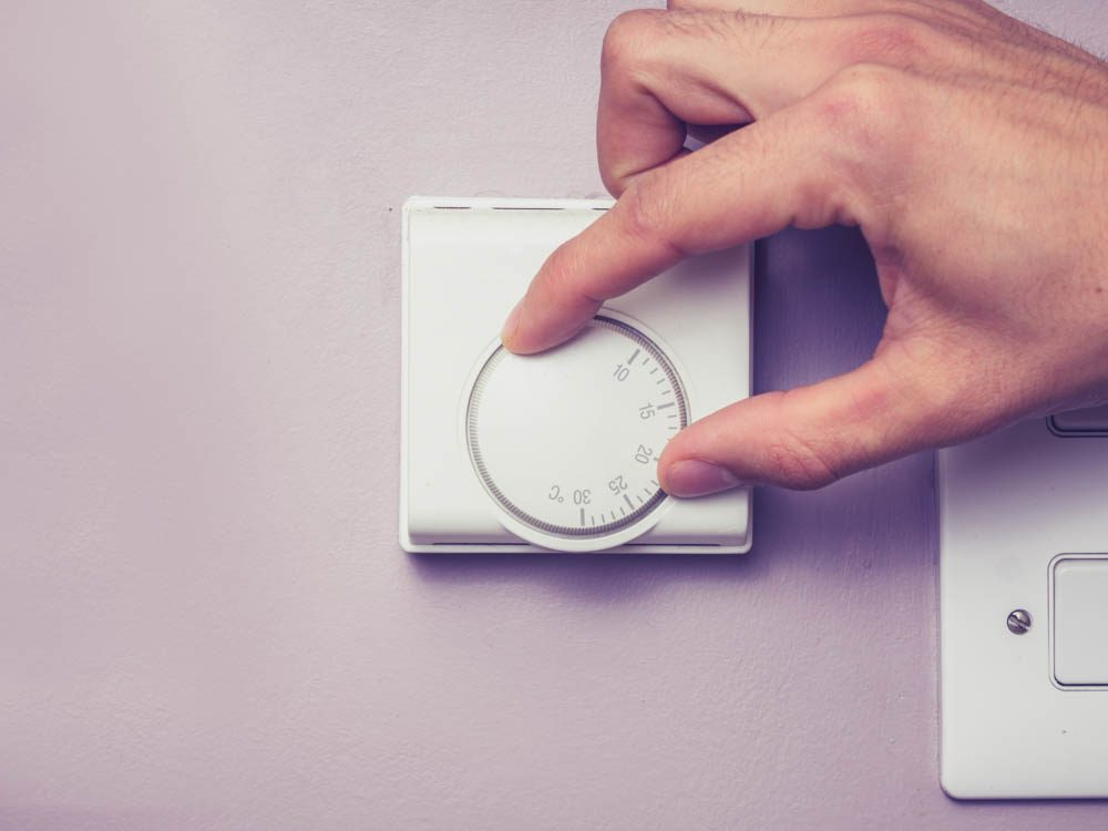 Turn down the thermostat to lose weight while you sleep