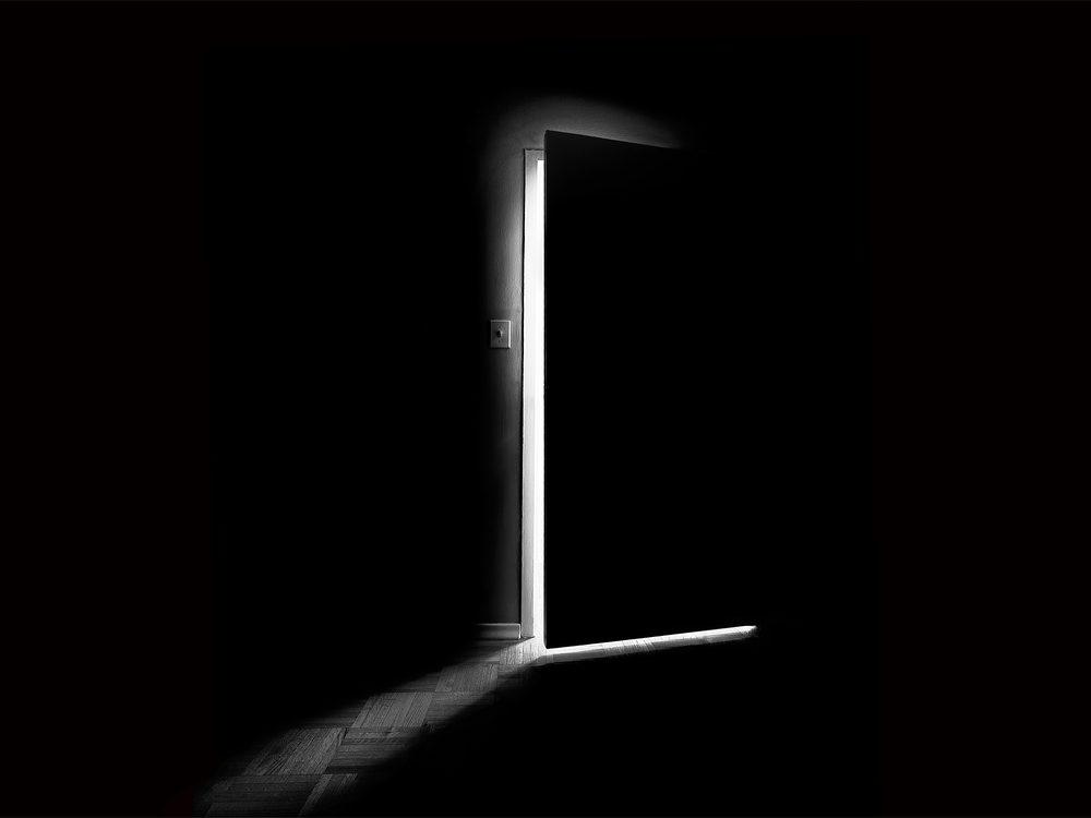 sleep-in-dark-room