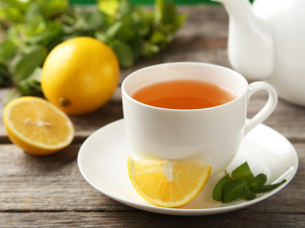 drink-tea-with-lemon