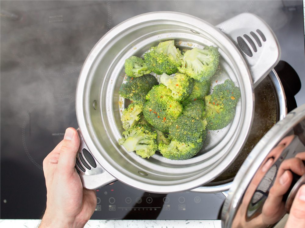 eat-steamed-broccoli