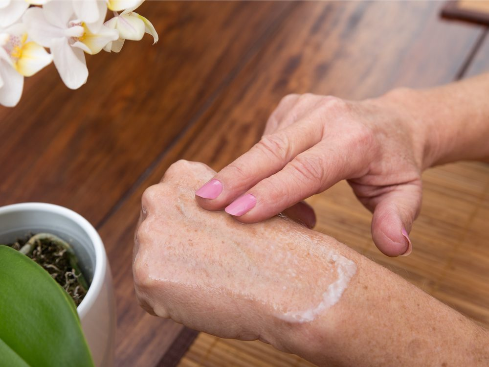 moisturize-your-hands