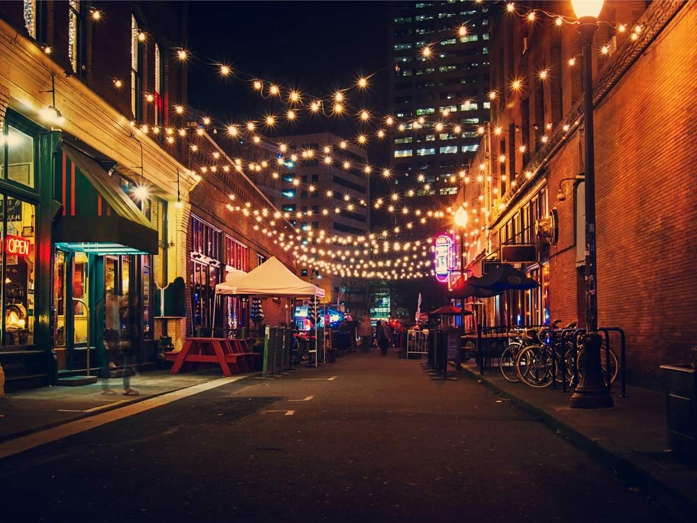 Alleyway in Portland, Oregon