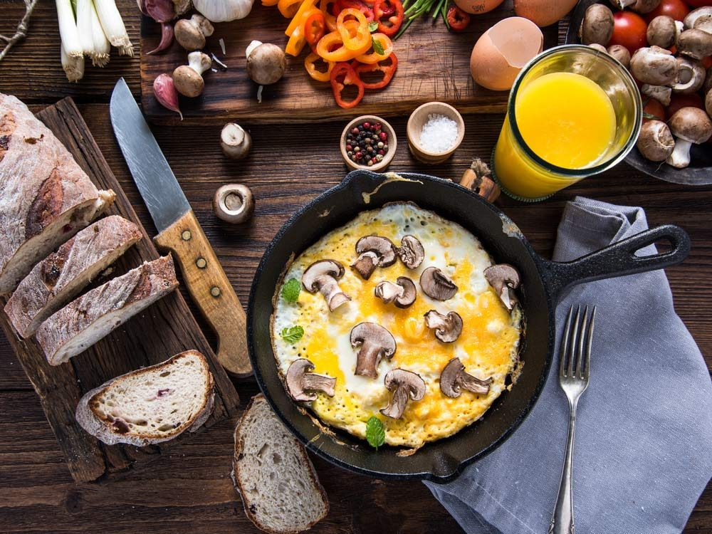 Eggs and mushrooms for brunch