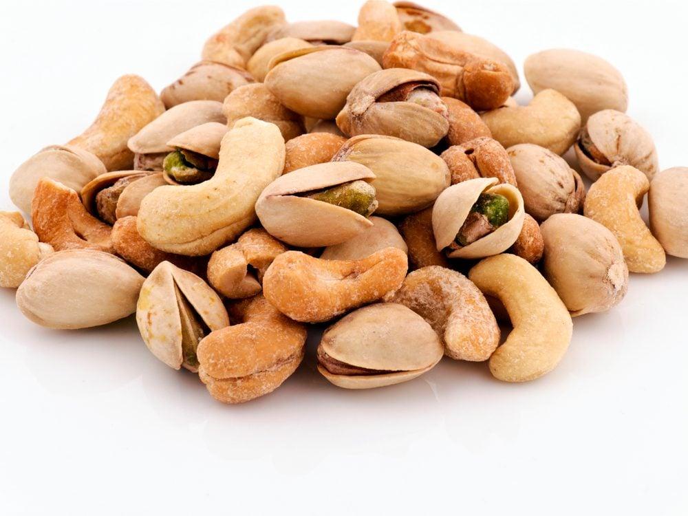 cashews-pistachios