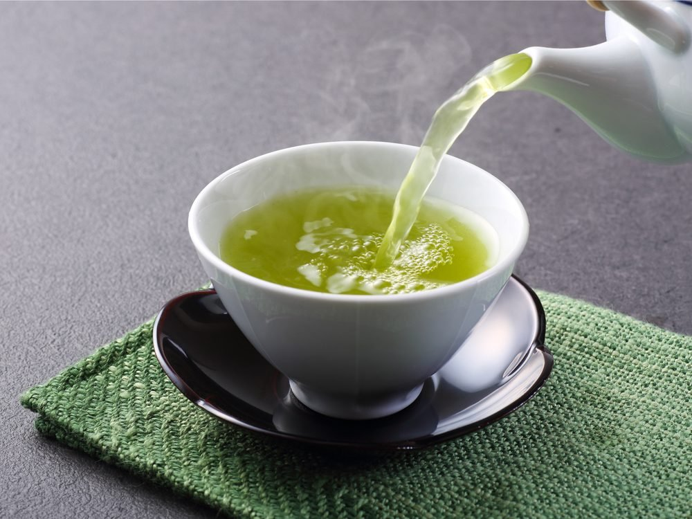 Green tea is a natural sore throat remedy.