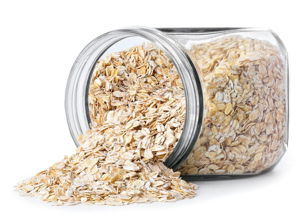 An oatmeal bath is a poison ivy home remedy you'll be grateful to know.