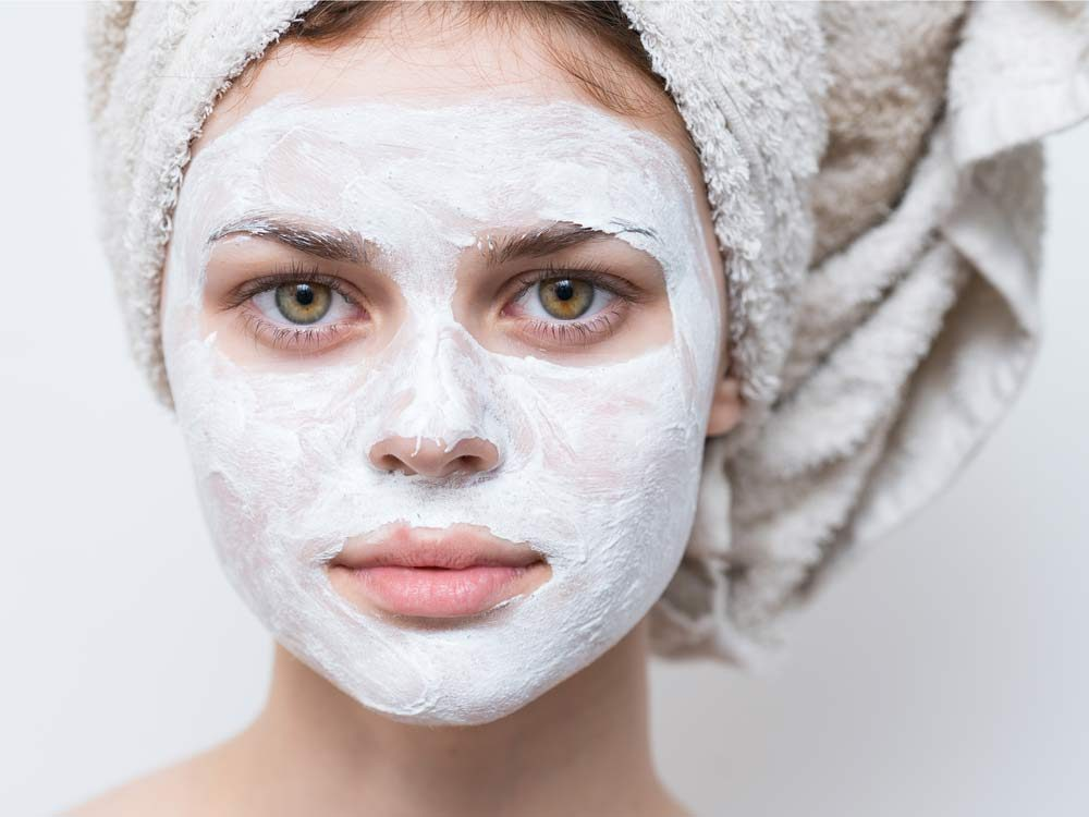 Use yogurt as an exfoliating mask