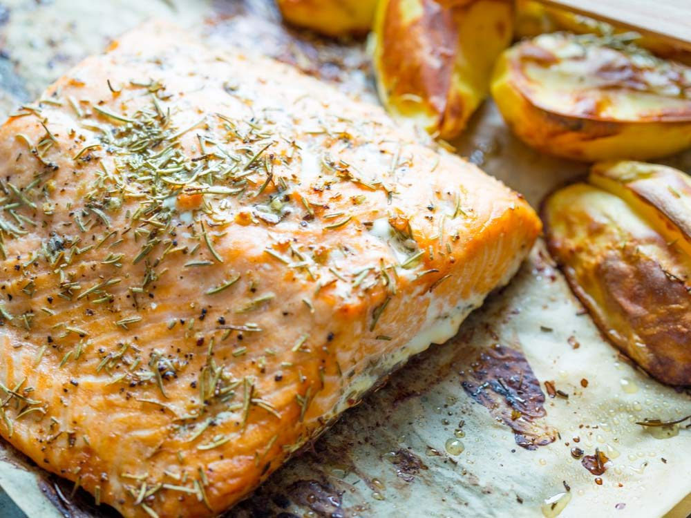 Baked salmon with glaze
