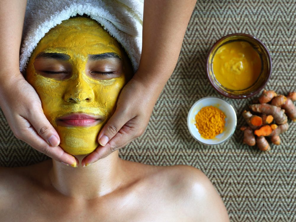 Use Kasturi turmeric as a home remedy to treat blackheads