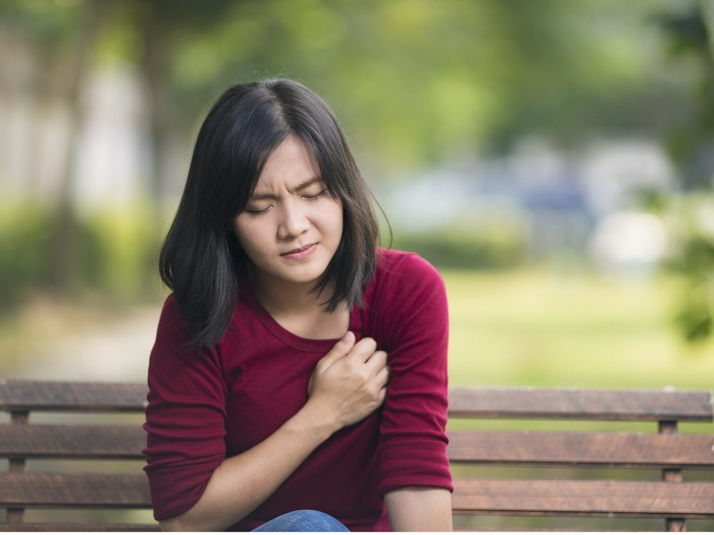 Chest pain is a sign of lung caner you should never ignore
