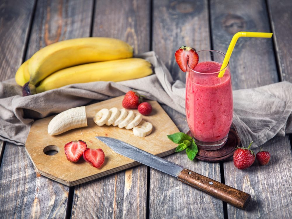 Blend a fast, healthy fruit smoothie
