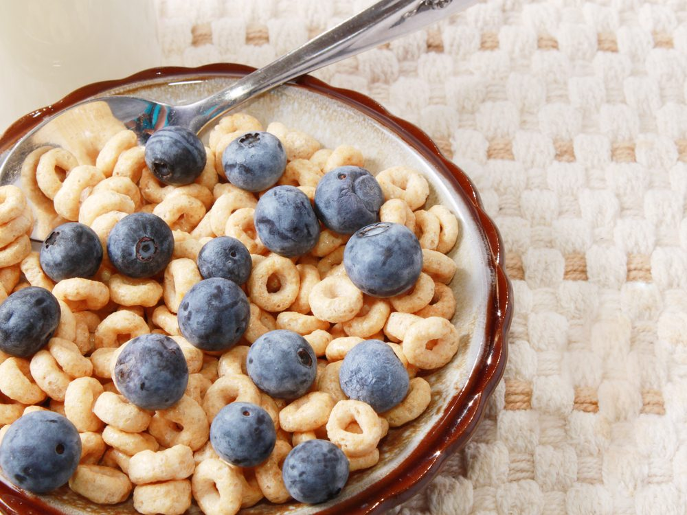Sprinkle 1/2 cup of blueberries on your cereal